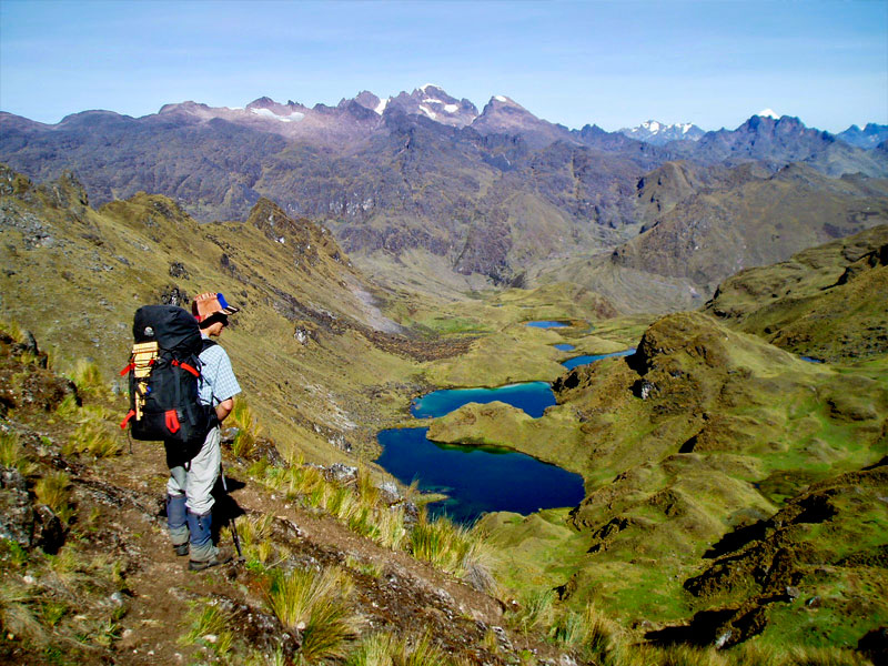 lares-trek-view