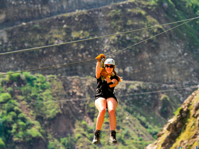 zipline-chincheros-mountain